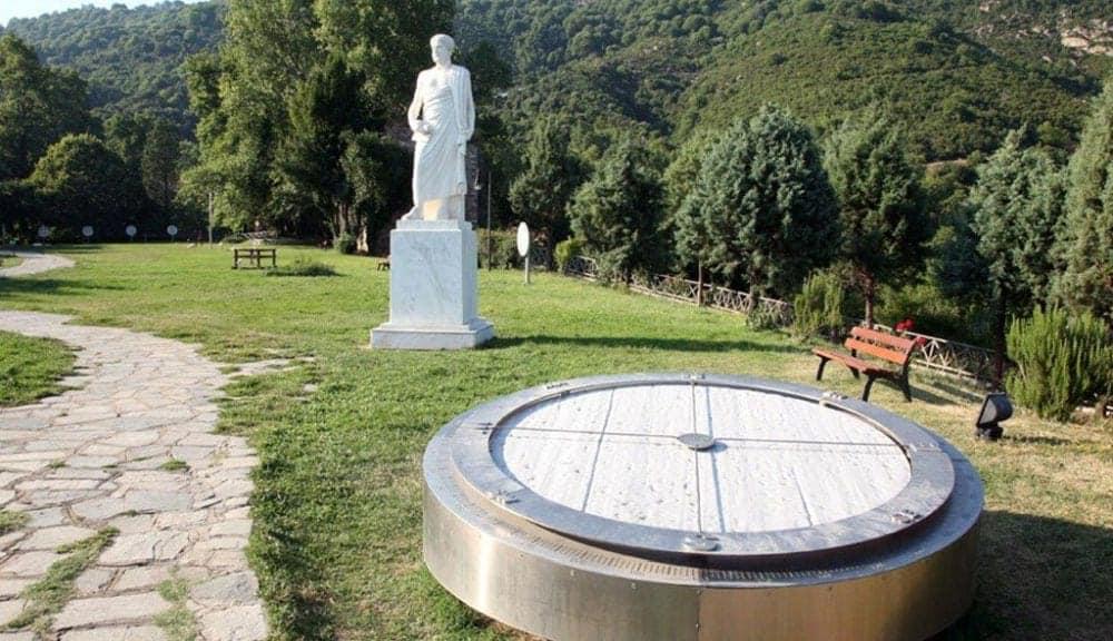 halkidiki Top 10 lucruri de făcut și văzut în Halkidiki parcul lui airstotel