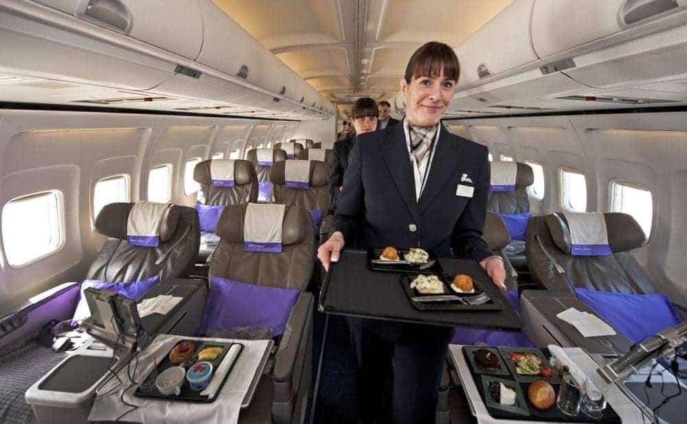 insotitori de zbor Mâncăruri și băuturi pe care însoțitorii de zbor le evită insotitoare zbor