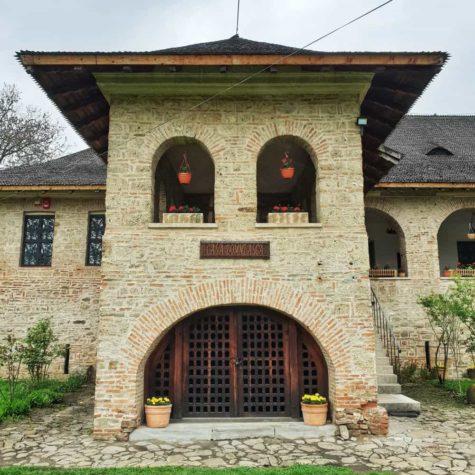 manastirea brebu 3