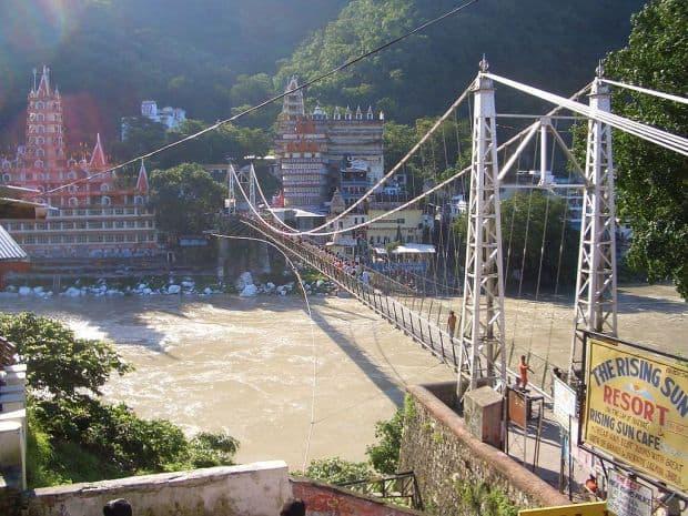 Rishikesh, pe malurile fluviului Gange
