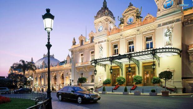 Stralucitorul cazinou din Monte Carlo