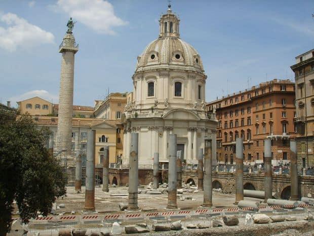 Forul lui Traian, cu celebra columna inclusa
