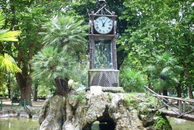 Ceasul acvatic de la Villa Borghese
