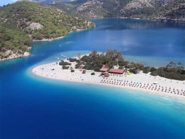 Fethiye ofera turistilor o vacanta diferita de statiunile din Antalya