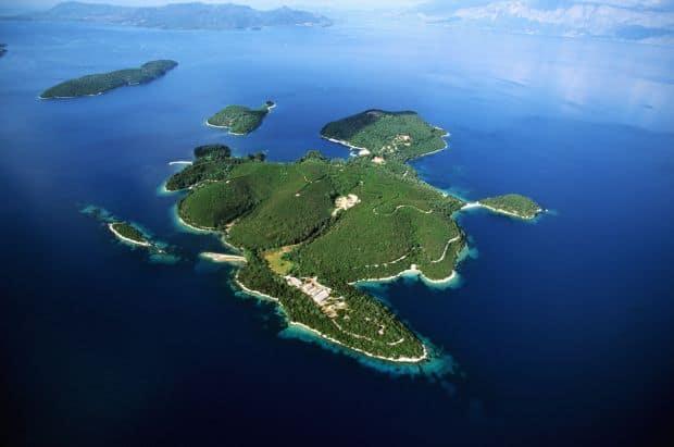 Insula privata Skorpios, care a apartinut familiei Onassis