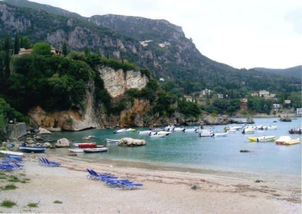 Paleokastritsa: plaja si manastire!