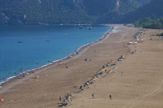 Fantasticele plaje din Cirali