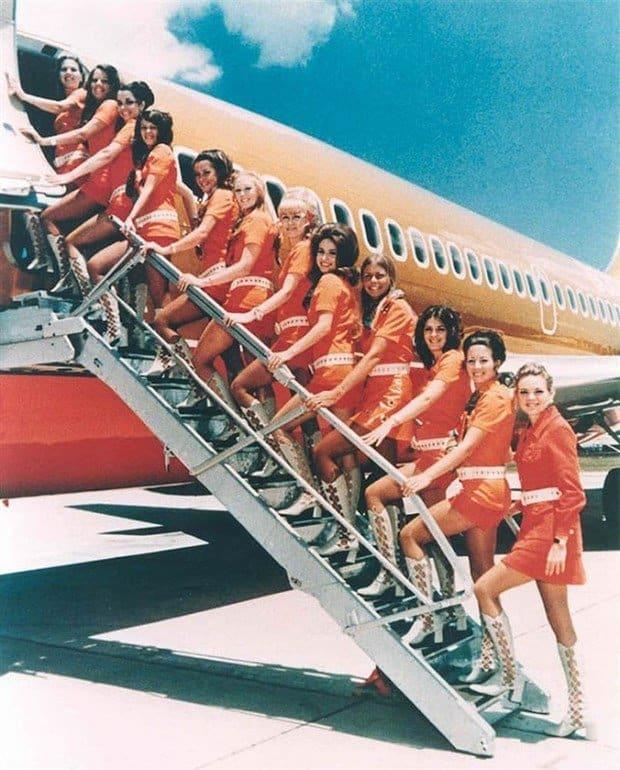 Stewardese de pe Southwest Airlines, in 1971