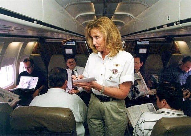 Stewardesa de pe Southwest Airlines, in anul 2000