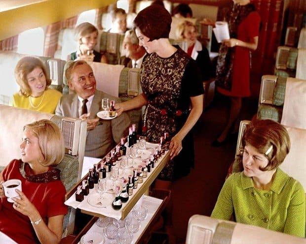 Stewardesa de pe Delta Airlines, 1968-1970