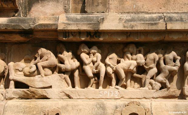Sculpturi pe templele erotice Kamasutra