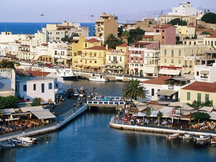 Agios Nikolaos, poate cel mai frumos oras cretan