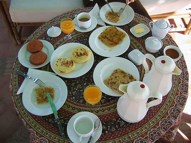 Marocanii si micul lor dejun dulce
