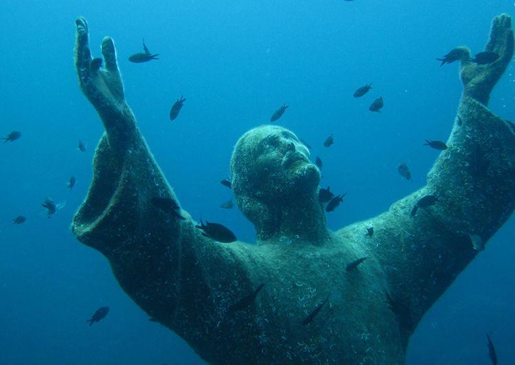 Statuia lui Cristos din Abis