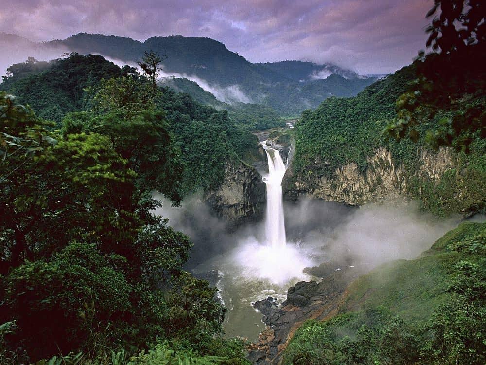 În jungla Amazonului. Foto: adventurelogger.blogspot.com