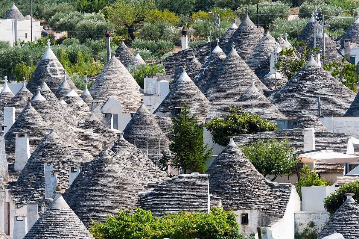 Alberobello și casele trulli, mândria regiunii Puglia