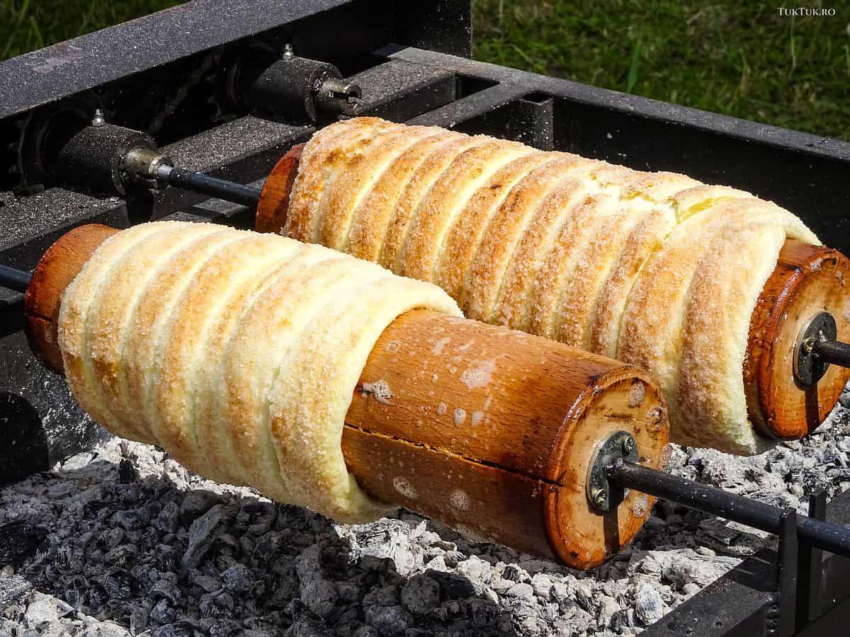 Kürtőskalács - cozonacul secuiesc