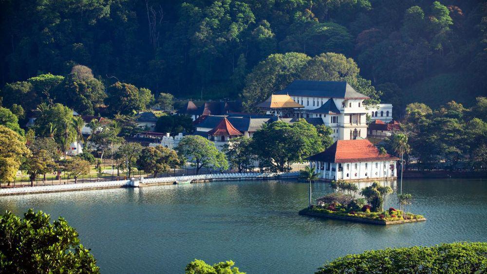 Frumosul oraș Kandy. Foto: gadventures.com