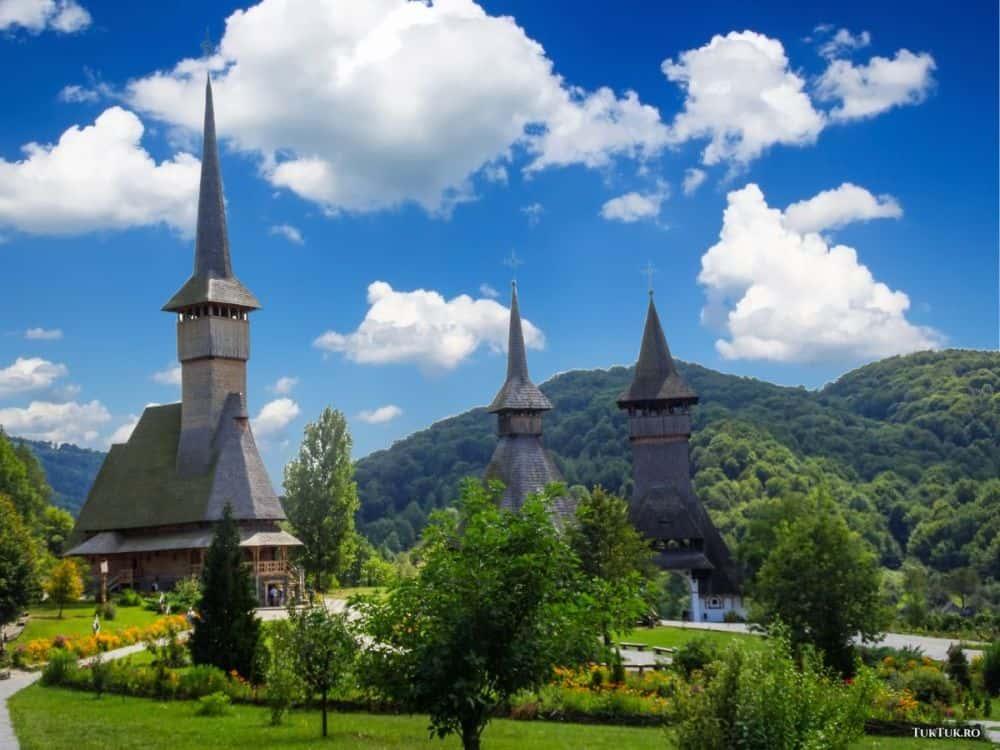 Mânăstirea Bârsana, din Maramureș, unul dintre cele mai frumoase locuri ale României