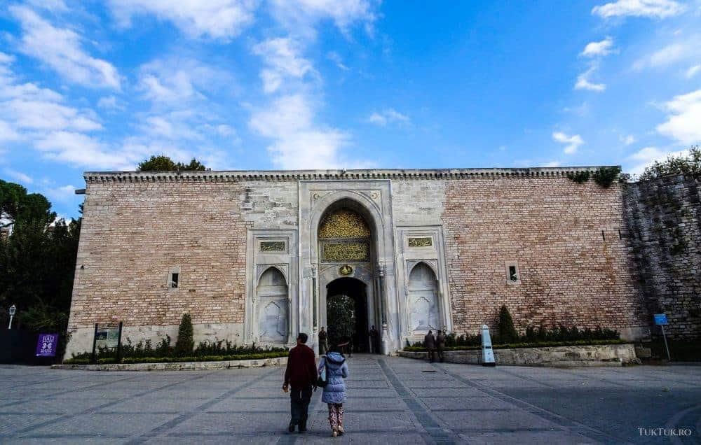 Intrarea în Palatul Topkapî