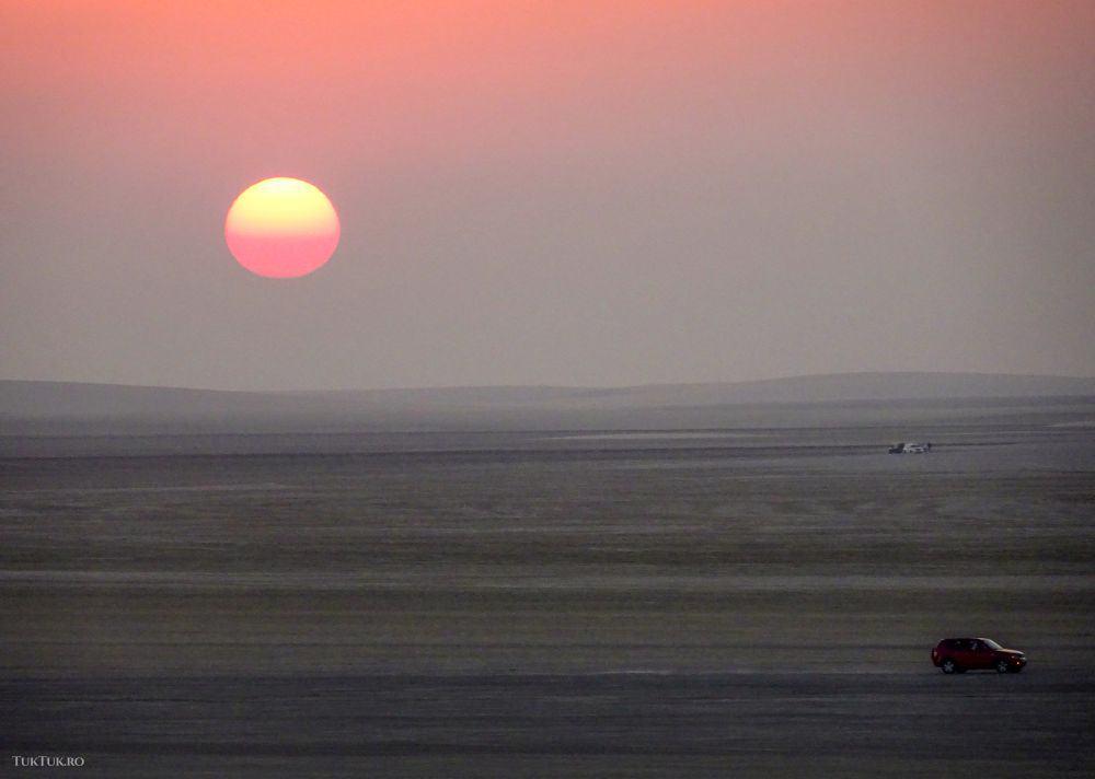 Apus de soare în deșert