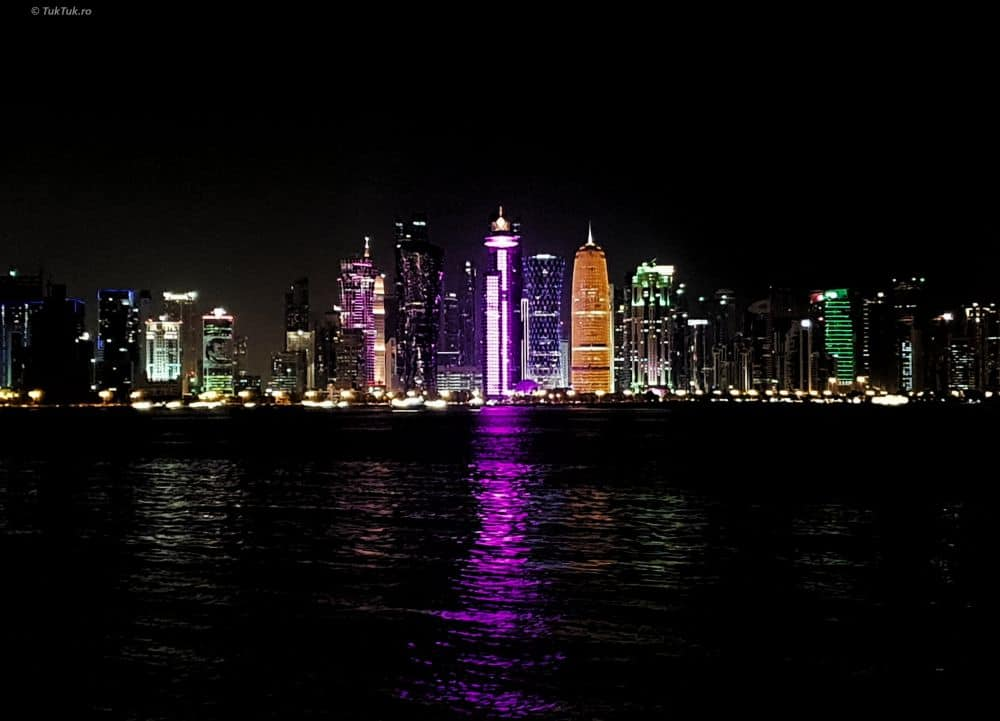 doha qatar night